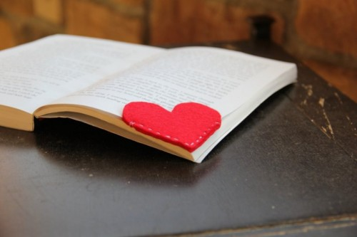 Cute DIY Bookmark Pals For Valentine's Day