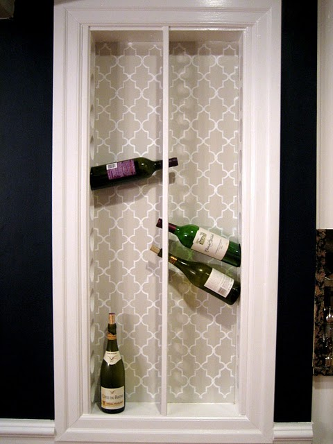 Diy built in kitchen wine rack shelterness for Wine rack built in