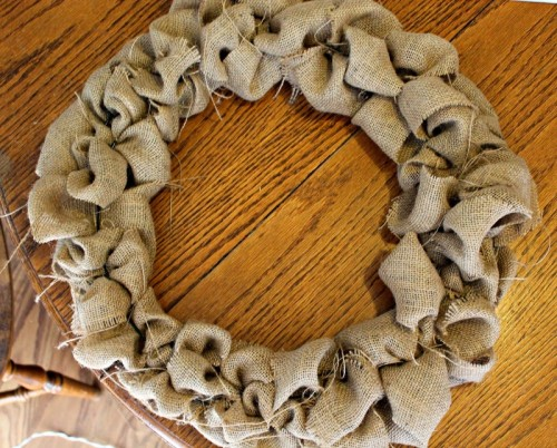 changeable fall wreath (via freshlycompleted)