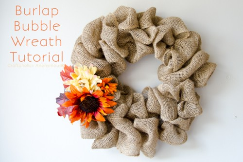 burlap bubble wreath (via craftaholicsanonymous)