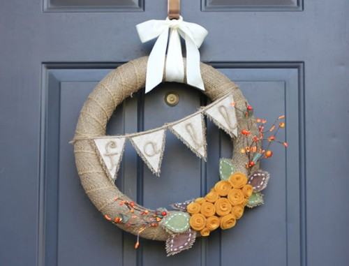 burlap banner wreath (via repeatcrafterme)