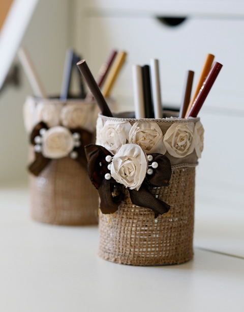 burlap pencil holder (via shelterness)