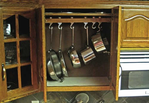 Attrayant Diy Cabinet Pot Rack
