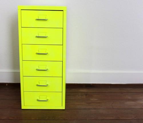 neon cabinet makeover (via itsprettynice)