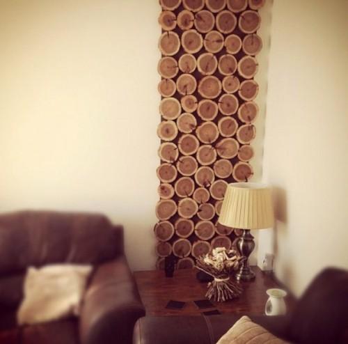 Diy cedar logs wall decor shelterness - Wall hanging decoration ideas ...