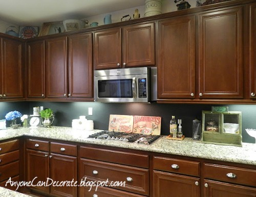 $10 chalkboard backsplash (via anyonecandecorate)