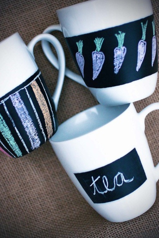 Diy Chalkboard Mugs And Glasses To Draw