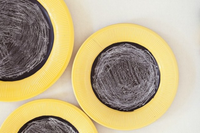 Diy Chalkboard Plates For Wall Decor