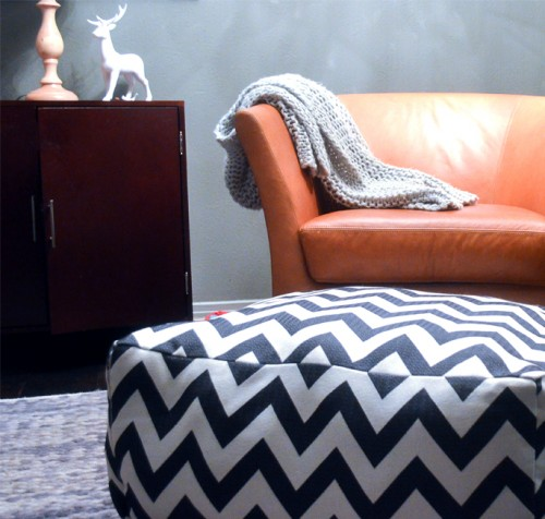 chevron pouf and dog bed in one (via shelterness)