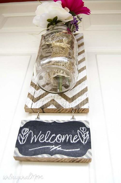 hanging chevron vase (via unoriginalmom)