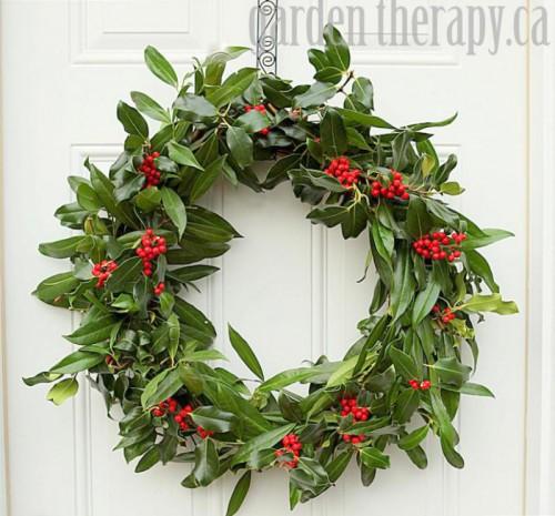 holly wreath (via gardentherapy)