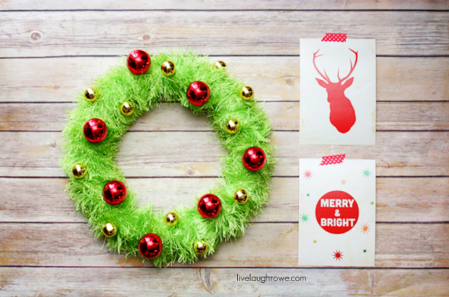 Picture of retro wreath for Diy christmas front door decorations