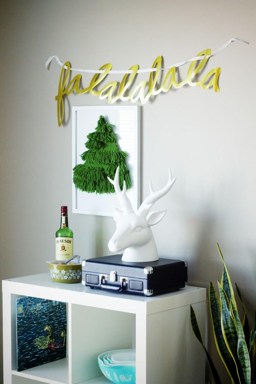 Picture of diy christmas tree wall hanging 6 - Diy christmas tree on wall ...