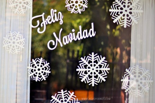 window paper decorations via agusyornet - Christmas Window Decorations