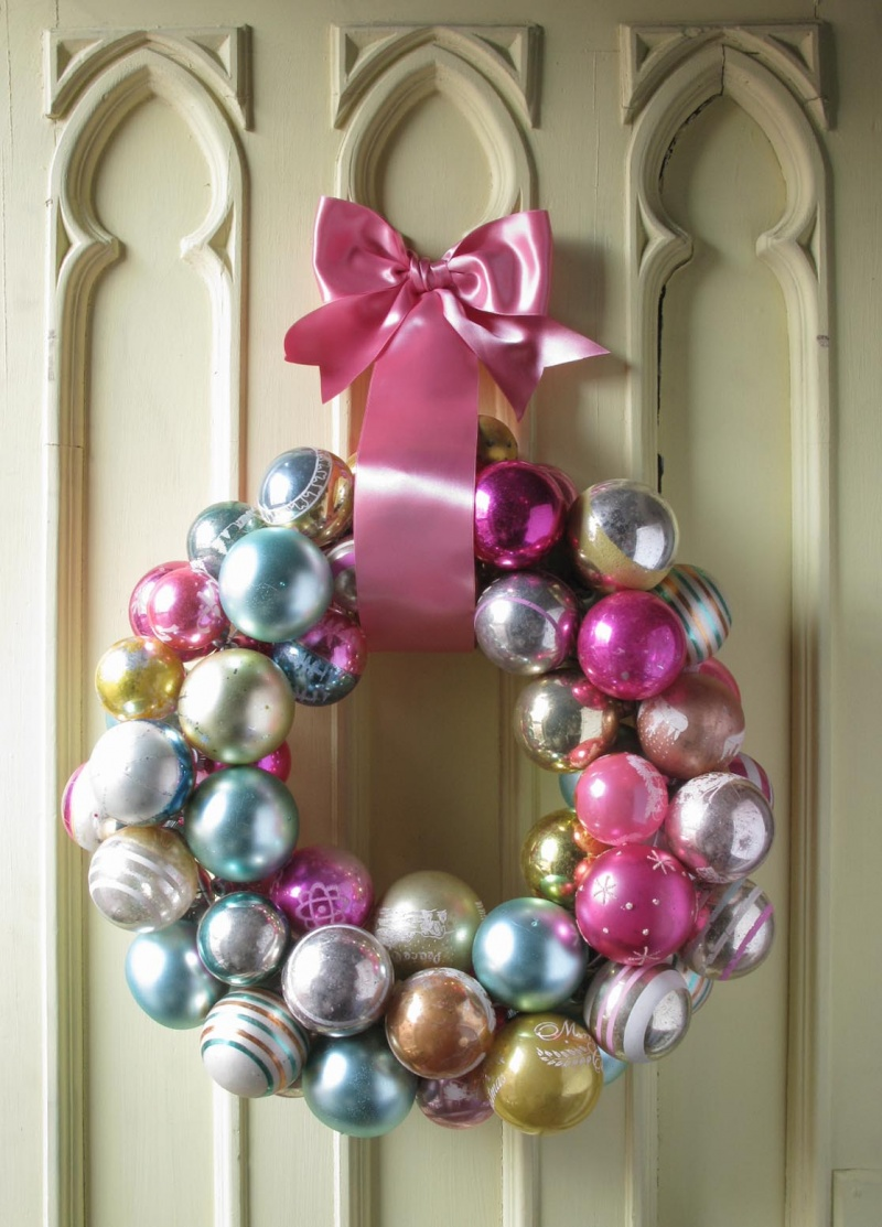 DIY Christmas Wreath From Round Tree Ornaments - Shelterness