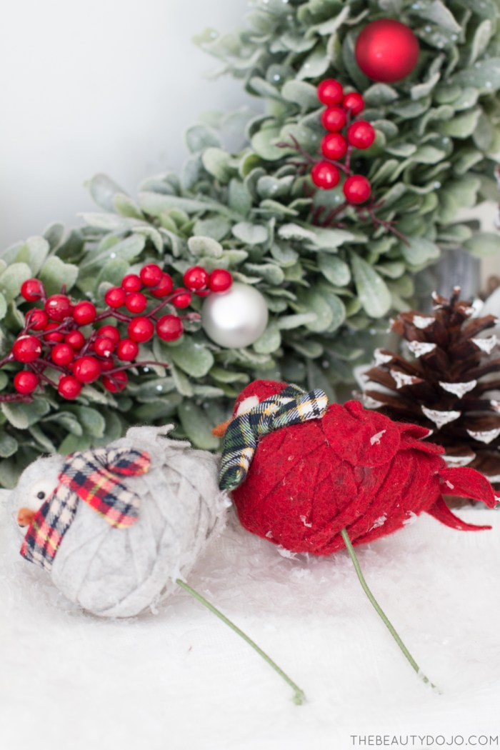 Picture Of diy christmas wreath with holly and small ornaments  7