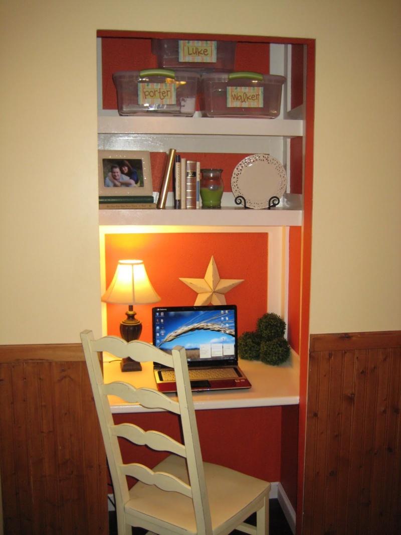 DIY Closet Desk As A Mini Home Office » Photo 2