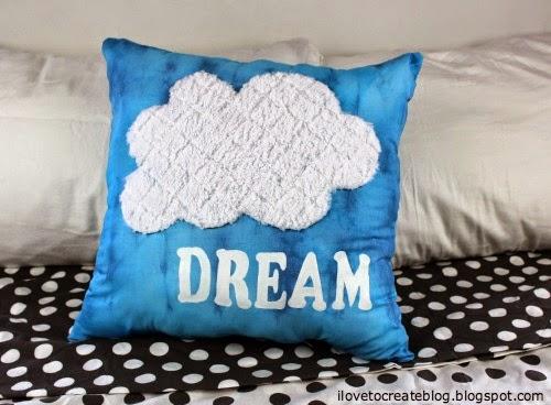 cloud pillow (via ilovetocreateblog)
