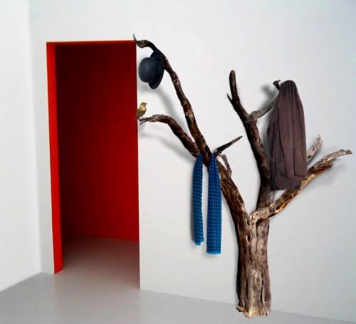 real tree coat rack (via shelterness)