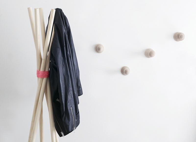 really easy coat rack
