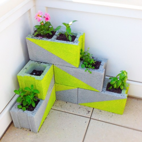 neon concrete block planters (via modernlywed)