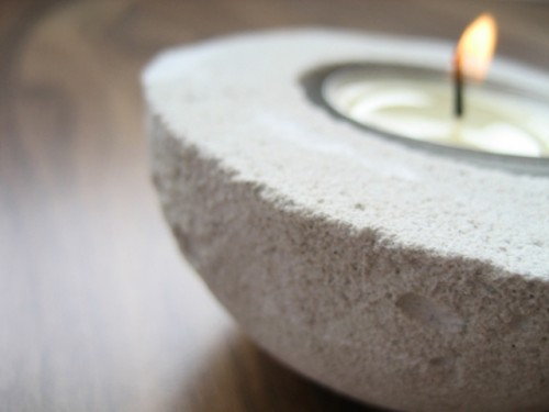 DIY Concrete Tealight Holder From An Avocado Shell
