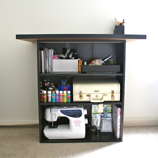 craft table with storage (via laviediy)