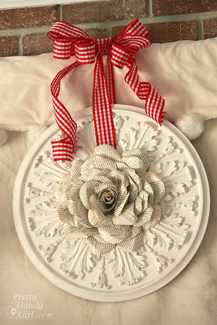 book page wreath (via prettyhandygirl)
