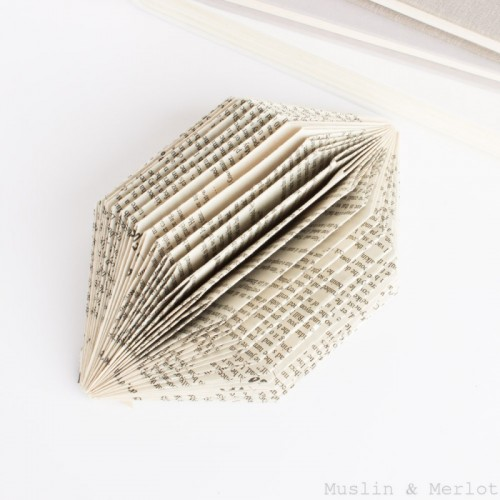 old book sculpture (via muslinandmerlot)