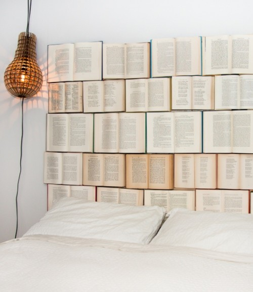 old books headboard (via shelterness)
