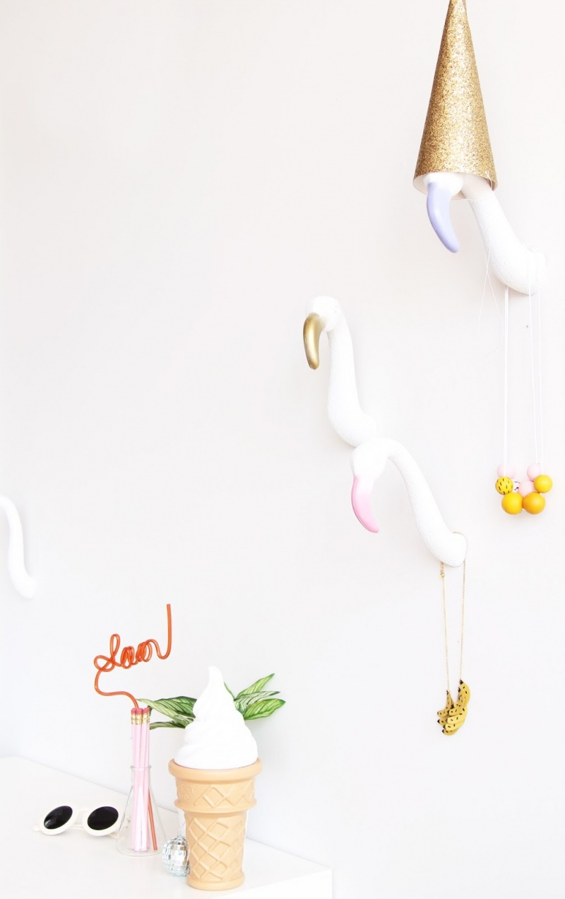 Picture Of diy creative and fun flamingo wall hooks  1