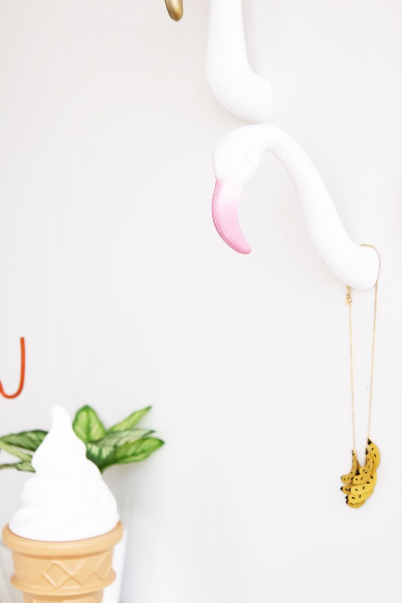 Picture Of diy creative and fun flamingo wall hooks  4