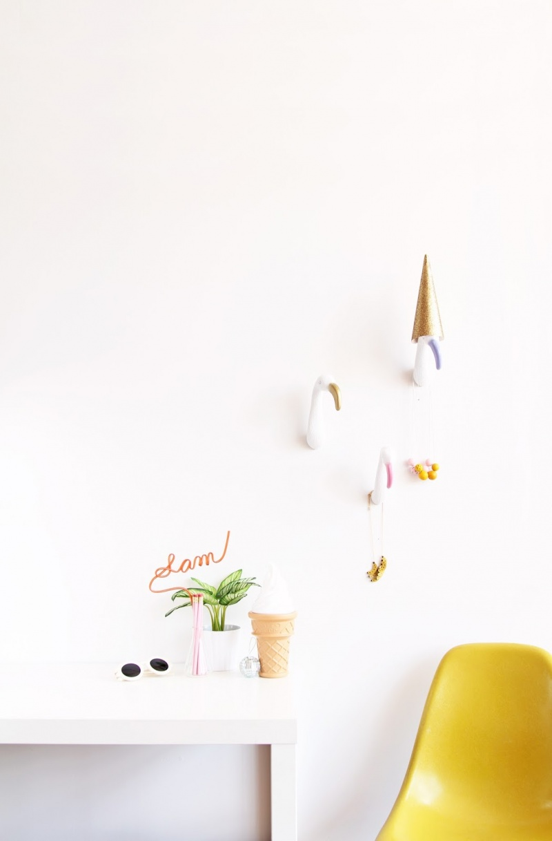 Picture Of diy creative and fun flamingo wall hooks  6