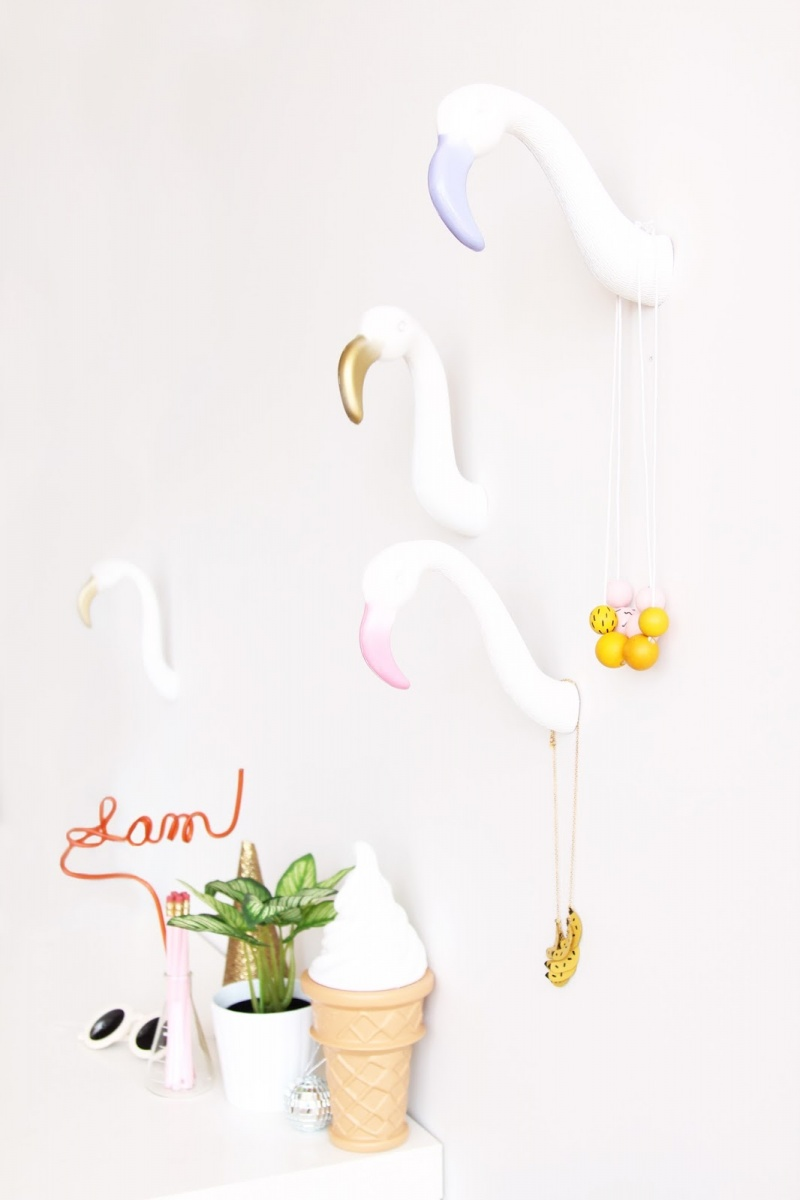 Picture Of diy creative and fun flamingo wall hooks  7