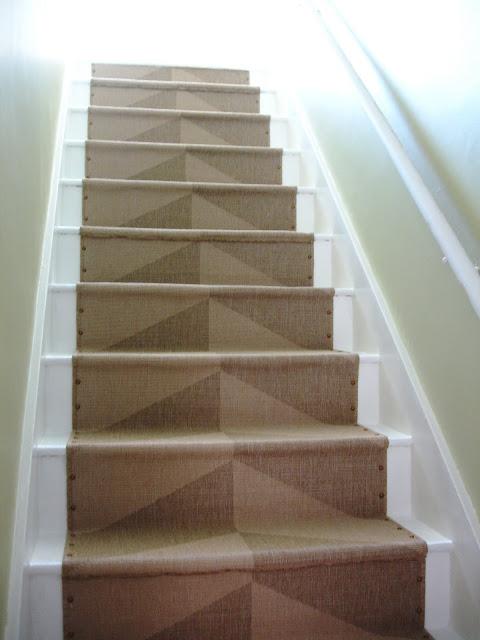 nailhead stair runner (via loftandcottage)