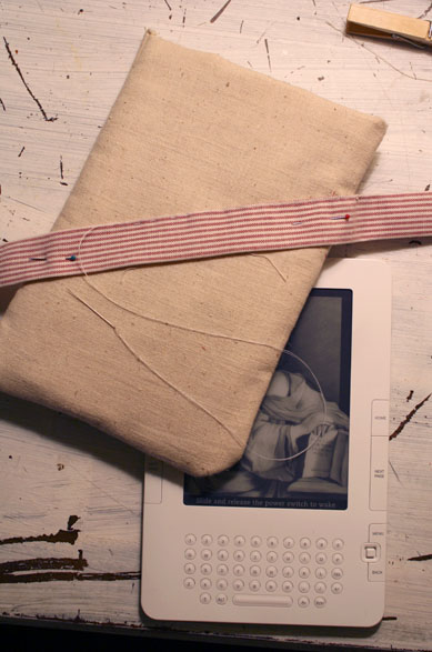 DIY Custom Fabric Kindle Case