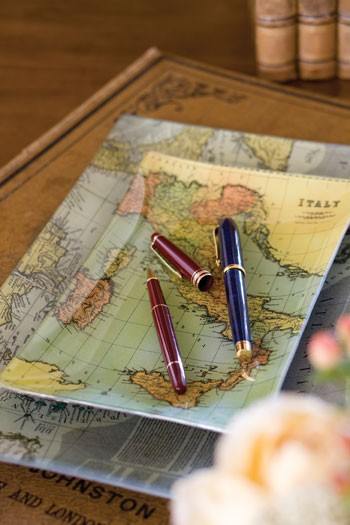 Diy decorating with maps 19