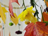 diy-decorative-fall-leaves-and-flowers-mobile-3