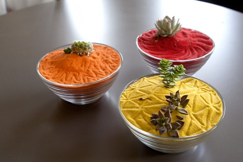 colorful zen mini gardens (via blog)