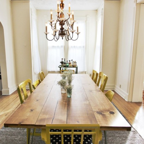 Diy dining table with trendy hairpin legs shelterness for Trendy dining room tables