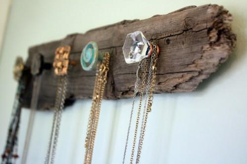 driftwood necklace holder (via visiblymoved)