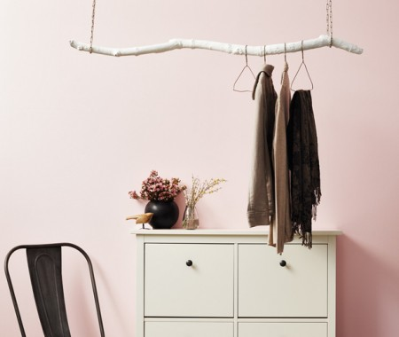 hanging coat rack (via houseandhome)