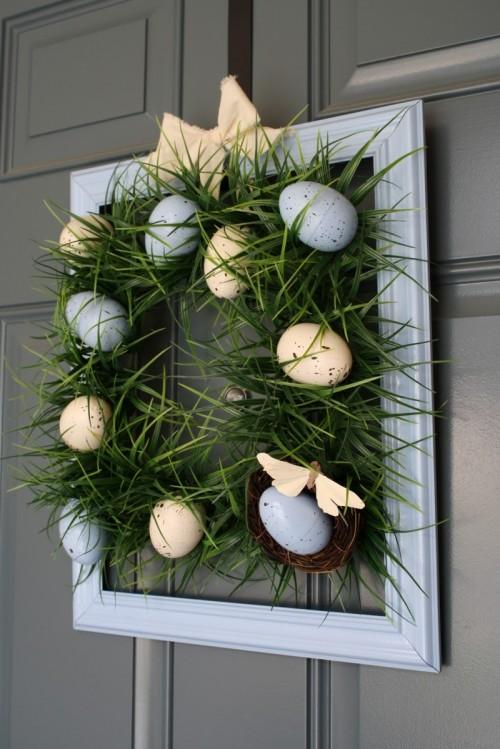 Spring Grass Easter Wreath. Click for 40 more #DIY #Wreath Ideas