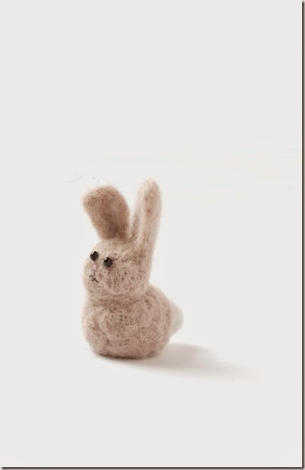 felt bunnies (via emmaruthjones)