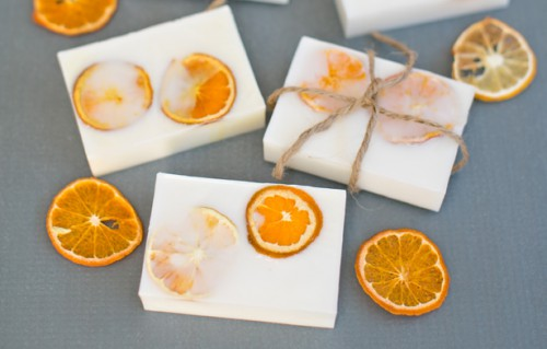 citrus soaps (via hellowonderful)