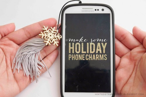 Christmas phone charms (via shelterness)