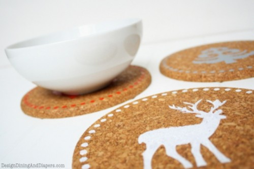 simple Christmas trivets (via shelterness)