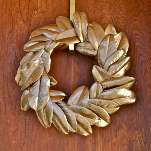 gold magnolia wreath (via makelifelovely)