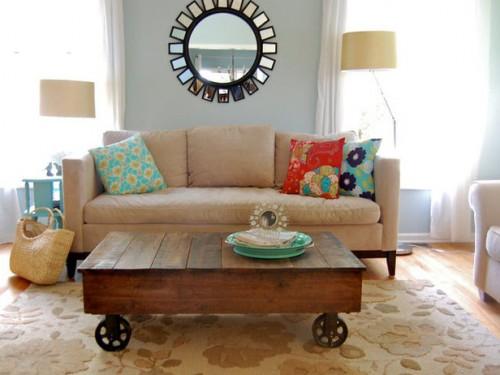 DIY Factory Cart Reclaimed Coffee Table (via hgtv)