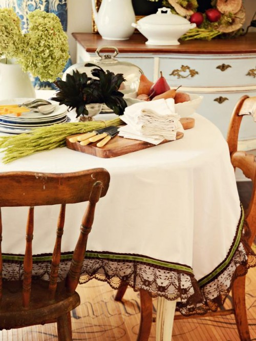 8 DIY Fall Tablecloths For Holidays And Not Only